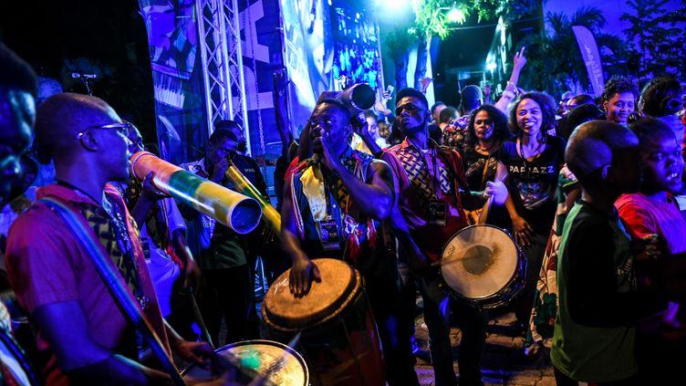 Des musiciens haïtiens au festival Papjazz, à Port-au-Prince, le 22 janvier 2020 (CHANDAN KHANNA / AFP)
