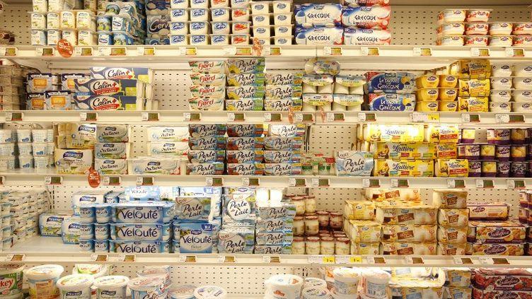 Onze fabricants de produits laitiers frais ont été condamnés à des amendespour une entente sur les prix et les appels d'offres, jeudi 12 mars 2015. (BSIP / AFP)