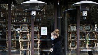 Illustration d'un restaurant fermé à Paris, le 18 novembre 2018. (THOMAS COEX / AFP)
