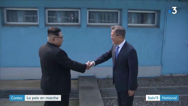Corées : Une poignée de main historique entre Kim Jong-un et Moon Jae-in