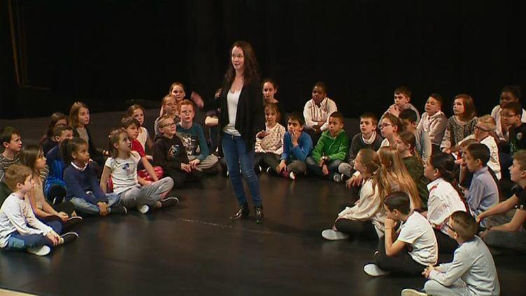 Les élèves de l'école Les Marronniersà Draguignan, durant les répétitions du spectacle opéra Peter Pan (A. Dequidt / France 3 Côte-d'Azur)