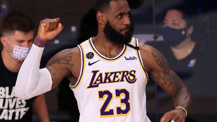 LeBron James durant la victoire des Los Angeles Lakers contre les Houston Rockets lors du match 3 des demi-finales de conférence des play-offs NBA 2020 (MIKE EHRMANN / GETTY IMAGES NORTH AMERICA)
