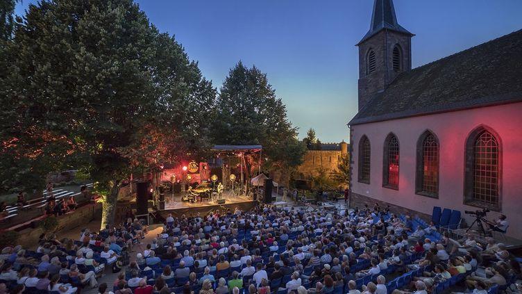Le festival se déroule tous les ans dans un décors d'exception. (FESTIVAL AU GRES DU JAZZ)