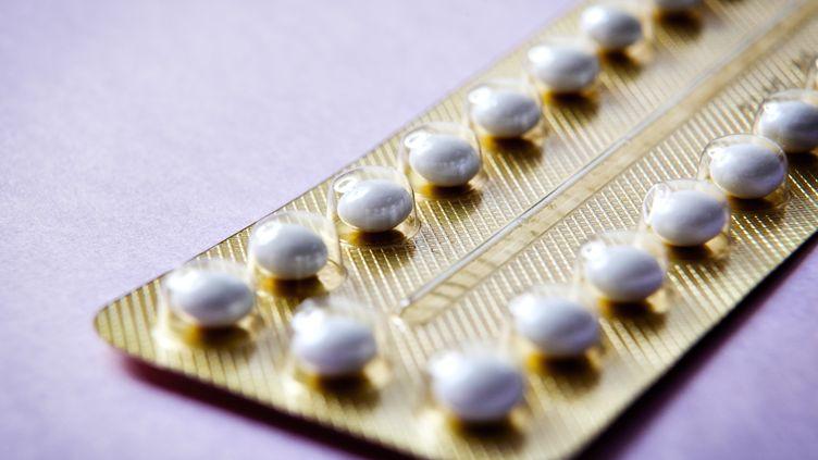 Selon l'étude, publiée mercredi 5 août, la prise d'un contraceptif oral pendant cinq ans réduirait le risque d'environ 25% d'avoir un cancer de l'endomètre avant 75 ans. (B. BOISSONNET / BSIP / AFP)