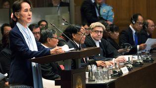 Aung San Suu Kyi devant la Cour internationale de justice en décembre 2019. (DAVID MORALES URBANEJA / EFE)