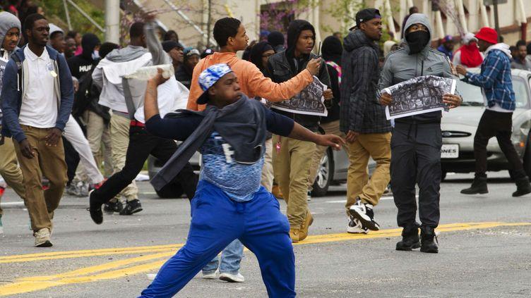 Des manifestants à Baltimore, le 27 avril 2015. (JOSE LUIS MAGANA / AP / SIPA / AP)