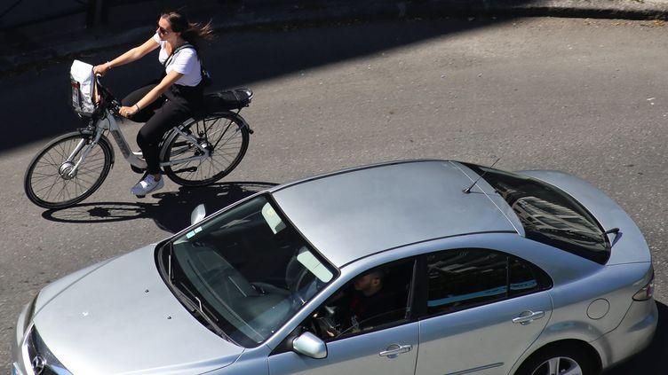 Voisinage vélo-voiture à Nantes le 19 mai 2020 (ROMAIN BOULANGER / MAXPPP)