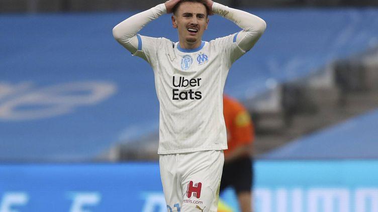 Valentin Rongier dépité après la défaite de l'OM contre Nîmes le 16 janvier 2021 au Stade Vélodrome. (DANIEL COLE/AP/SIPA / SIPA)