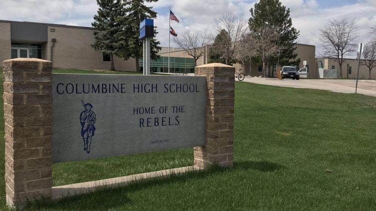 L'entrée de l'établissement scolaire de Columbine High School (État-Unis), le 17 avril 2019. (XINHUA / XINHUA)