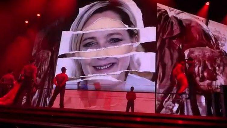 Capture de la vidéo de Madonna, qui montre un montage d'images avec Marine Lepen  (DR)
