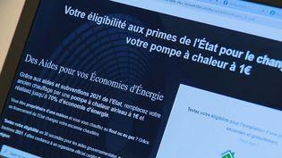 Des milliers de Français tombent dans le piège des fausses aides à la rénovation, promises à un coût dérisoire. Certaines entreprises disparaissent sans laisser de traces après avoir floué des clients. (FRANCE 2)