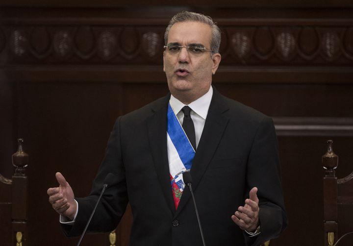 Le président de République dominicaine, Luis Abinader, lors d'un discours à Saint-Domingue, en février 2021. (ERIKA SANTELICES / AFP)