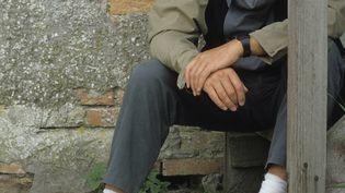 Peter Gabriel à la veille d'une gloire planétaire, dans une photo datée de 1984, dans sa ville de Bath, en Angleterre (PETER NOBLE / REDFERNS / GETTY IMAGES)