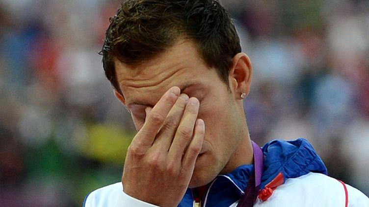 L'émotion de Renaud Lavillenie sur le podium olympique de Londres