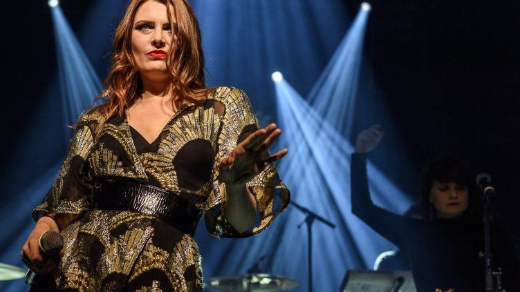 La chanteuse Elodie Frégé du collectif Nouvelle Vague (JEAN-MARC QUINET / MAXPPP)