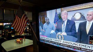 Donald Trump a signé, jeudi 8 mars 2018,les déclarations imposant des droits de douane sur lesimportations américaines d'aluminium et d'acier. (BRYAN R. SMITH / AFP)