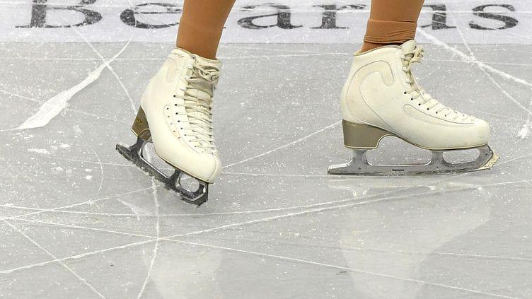 Les patins de la championne finlandaise de patinage artistiqueEmmi Peltonen en janvier 2019. (Photo d'illustration) (KIRILL KUDRYAVTSEV / AFP)