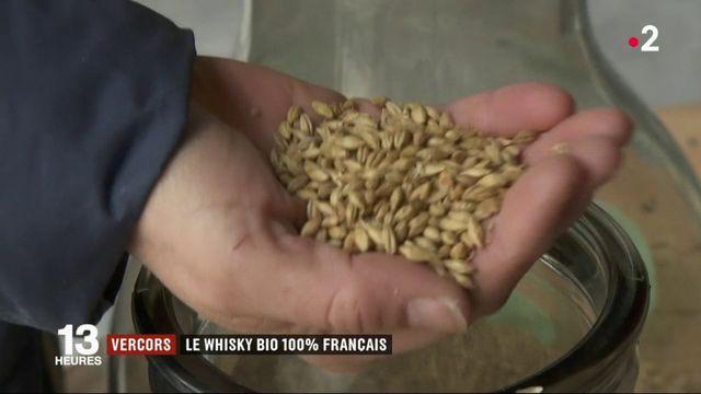 Dans la Drôme, un couple de producteurs distille du whisky bio 100 % français