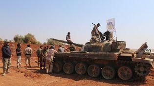 Des forces du groupe Jaysh al Islam au nord d'Alep, en Syrie, en aout 2015. (ZEIN AL-RIFAI / ALEPPO MEDIA CENTRE)