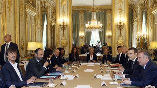 Le premier Conseil des ministres de la présidence d'Emmanuel Macron, le 18 mai 2017 à l'Elysée. (FRANCOIS MORI / AFP)