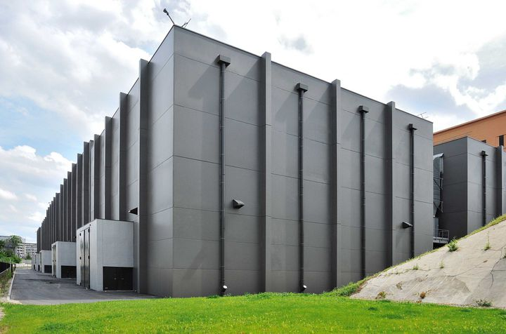 Extérieur d'un des neuf plateaux de la Cité du cinéma  (VILLARD/SIPA)