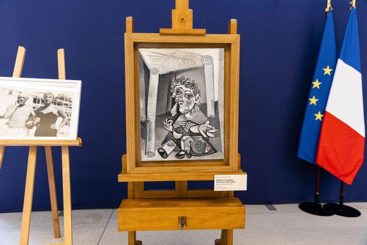 """""""Enfant à la sucette assis sous une chaise"""", Pablo Picasso (1938), dation Maya Picasso, musée Picasso, 20 septembre 2021 (AFP)"""