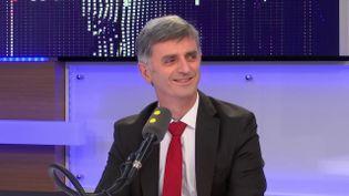 """Jacques Maire, député LREM, invité de """"tout est politique"""" sur franceinfo. (FRANCEINFO / RADIOFRANCE)"""