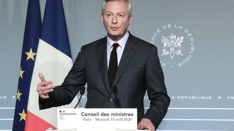 Le ministre de l'Economie Bruno Le Maire, le 15 avril 2020, lors d'une conférence de presse à Paris. (MICHEL EULER / AFP)