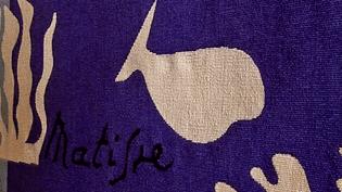 """""""Tisser Matisse"""" : l'oeuvre textile et décorative du maître du fauvisme au musée d'art moderne de Troyes. """"Polynésie"""" (détail)  (France 3 / Culturebox)"""
