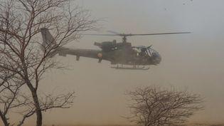 Un hélicoptère français de l'opération Barkhane au Mali, le 27 mars 2019. (DAPHNE BENOIT / AFP)