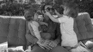 Charles Aznavour, avec ses enfants Katia et Michel, Cannes 1972  (AFP)