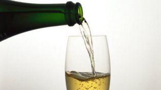 """Lesmédias anglo-saxonscomme le """"Daily Mirror""""ont rapporté,début novembre, que """"boire trois verres de champagne par semaine pourrait aider à conjurer la démence et la maladie d'Alzheimer"""". (MAXPPP)"""