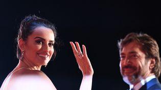 """Penelope Cruz et Javier Bardem ouvriront la compétition au Festival de Cannes 2018, avec """"Everybody Knows"""" de l'Iranien Asghar Farhadi. (TIZIANA FABI / AFP)"""