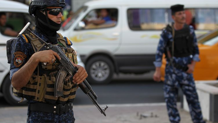 Une patrouille de police à Bagdad, en Irak, le 29 juin 2018. (AHMAD AL-RUBAYE / AFP)