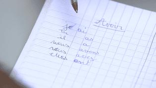 """Capture d'écran du film d'Alexandra Alévêque intitulé """"21 JOURS, au cœur de l'illettrisme"""", et diffusé, le 16 décembre dans Infrarouge sur France 2. (CAPA PRESSE - FRANCE TÉLÉVISIONS)"""