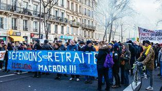 Une manifestation contre la réforme des retraites, le 4 janvier 2020, à Paris. (MATHIEU MENARD / HANS LUCAS / AFP)