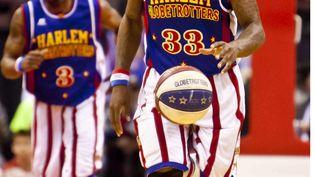 Bull Bullard, le joueur des Harlem Globetrotters, le 1er avril 2011 à Ottawa (Ontario). (LEON T. SWITZER / NEWSCOM / SIPA)