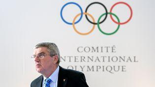 Le président du comité international olympique Thomas Bach à Lausanne (Suisse), le 8 octobre 2016. (FABRICE COFFRINI / AFP)