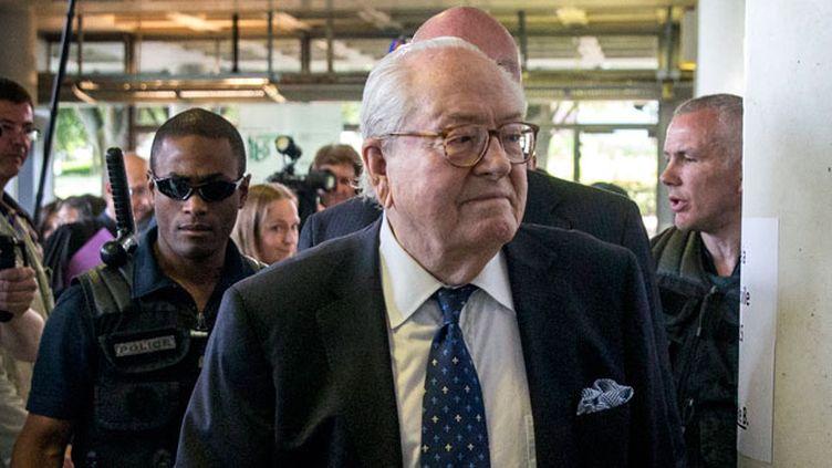 (Jean-Marie Le Pen à son arrivée au tribunal de Nanterre, le 12 juin 2015 © MaxPPP)