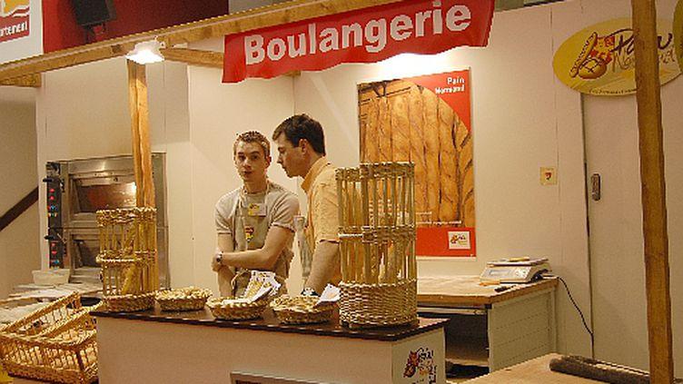 Apprentissage du métier de boulanger. (© France)