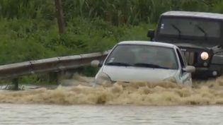 Au lendemain du passage de la tempête Dorian mardi 27 août, les habitants doivent faire face aux inondations provoquées par les pluies diluviennes. (CAPTURE ECRAN FRANCE 2)