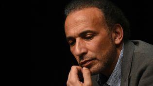 Tariq Ramadan, lors d'une conférence, à Bordeaux, le 26 mars 2016. (MEHDI FEDOUACH / AFP)