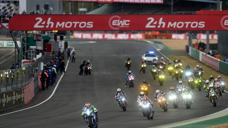 Honda en tête après 8 heures de course aux 24h du Mans motos. (JEAN-FRANCOIS MONIER / AFP)
