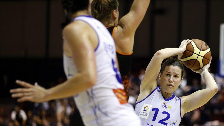 Gaëlle Skrela, l'arrière de l'équipe de France féminine. (THOMAS SAMSON / AFP)