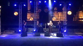 Le concert de Sandra Nkaké,Jeanne Added, -L- et Camélia Jordana auThéâtre antique d'Arles, mercredi 8 juillet. (YANN BERTRAND/ FRANCEINFO)