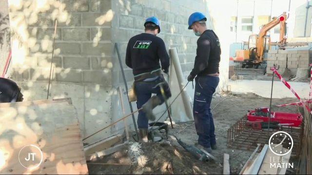 Ouvriers du bâtiment, caissières… vers une prime Covid-19?