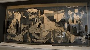 """L'un des troix emplaires de """"Guernica"""" en laine tissée réalisés par Jacqueline de la Baume Durrbach désormais visible en permanence dans le nouveau musée Unterlinden de Colmar  (Culturebox / Capture d'écran)"""