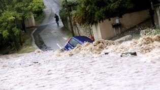 Lors de précédentes inondations, le 10 octobre 2014 à Nîmes (Gard). (  MAXPPP)