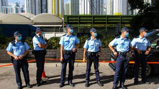 Des policiers à Hong Kong, le 6 juillet 2020. (TOMMY WALKER / NURPHOTO / AFP)
