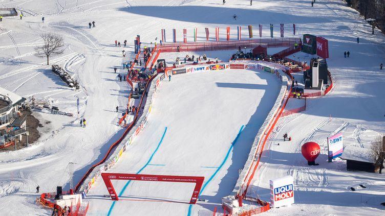 La deuxième descente de Kitzbühel, prévue ce 23 janvier, est annulée en raison des conditions météo (JOHANN GRODER / EXPA)